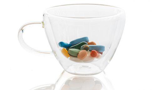 フォトアダムNieściorukにUnsplash風邪薬、解熱剤を使うのは本末転倒
