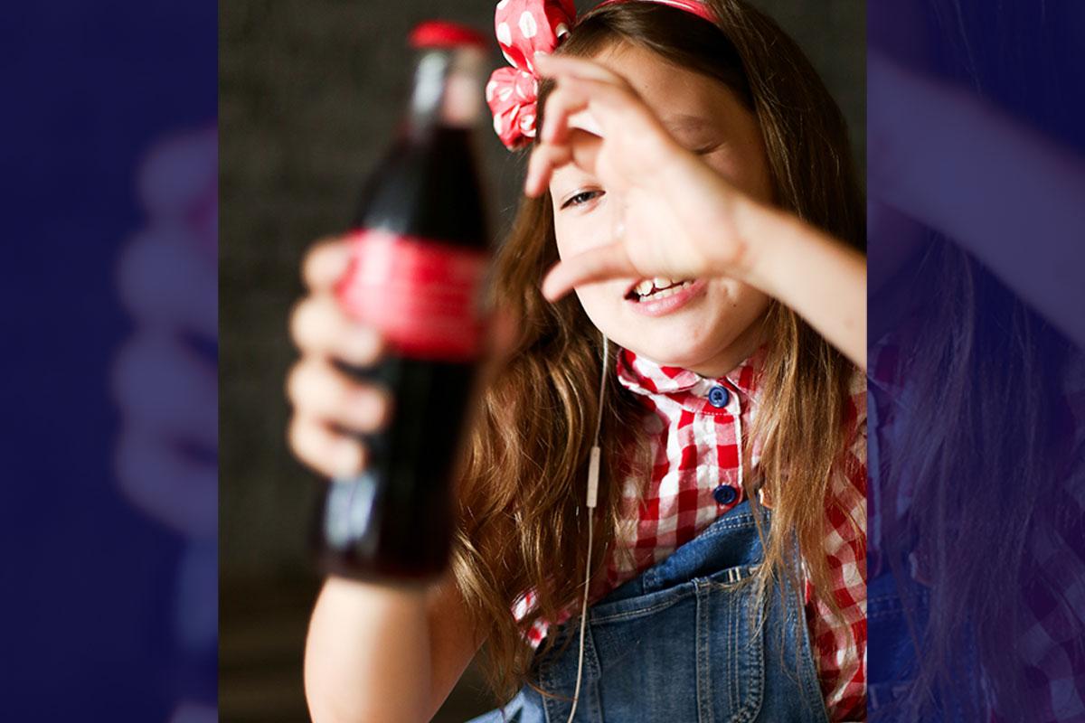子供に炭酸飲料をたくさん飲ませてはいけません