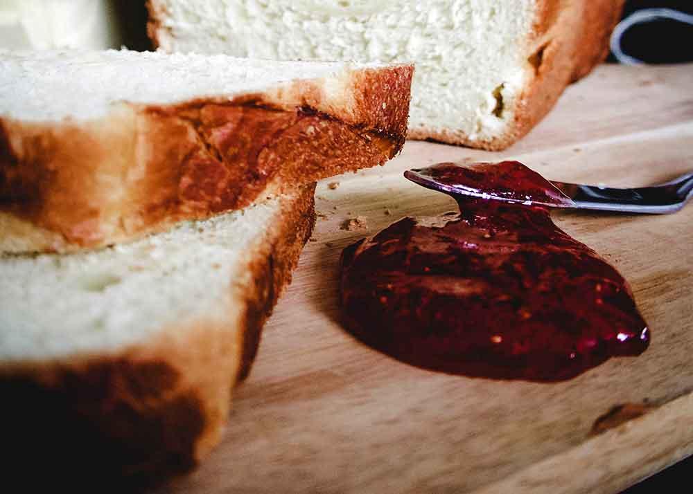 糖分を加えると、ドーナツはより大きく膨らみ、パンは日持ちが良くなる