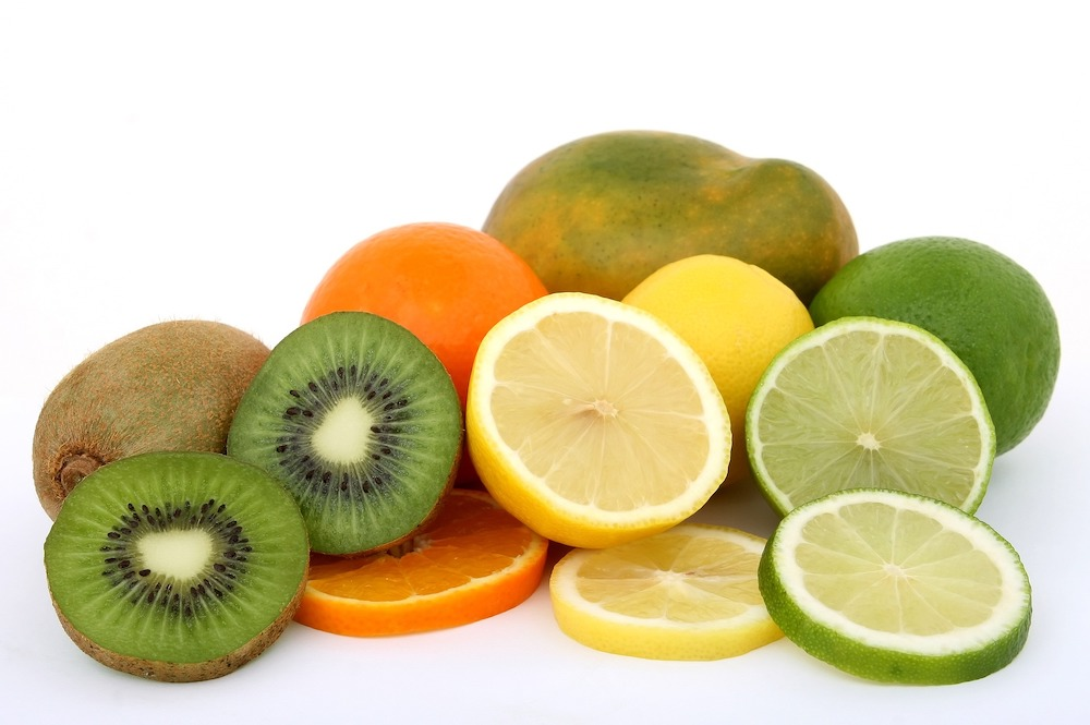 ビタミンCは、水に溶けるので血液や目の水晶体、体の水溶性の部分ではサビを摂ってくれます。